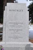 Fue enterrado junto a su esposa Marjorie.
